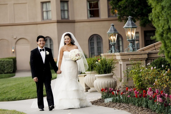 Asian couple walking around Langham Huntington Pasadena