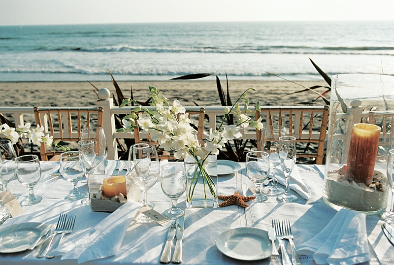 Reception dcor photos oceanfront reception table inside weddings seaside reception table decorations with ocean view junglespirit Images