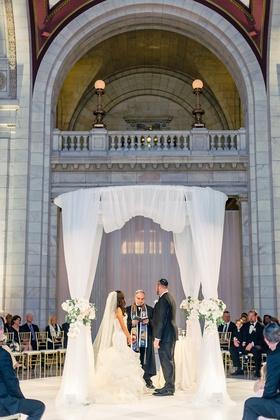 jewish wedding ceremony guests seated in the round cleveland heatherlily mitchell schwartz wedding