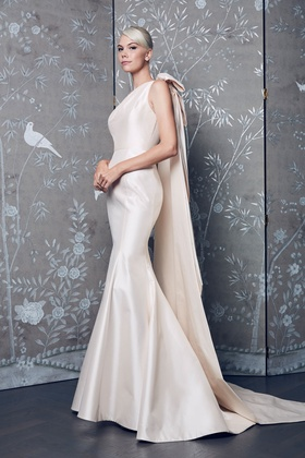 Legends Romona Keveza Fall 2018 collection taffeta one shoulder mermaid gown with bow