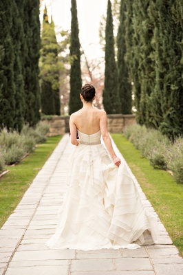 bridal portrait at greystone mansion los angeles wedding