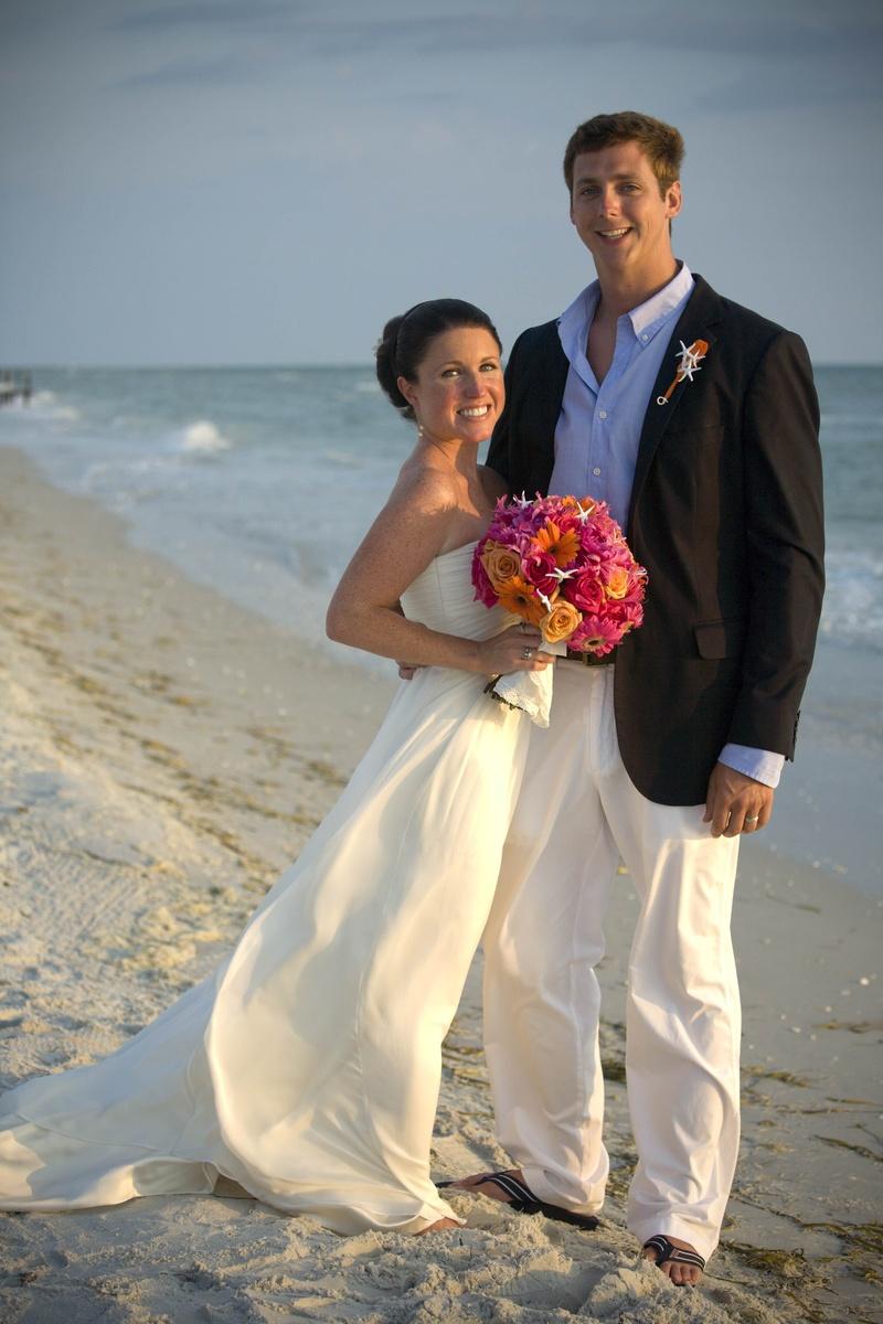 31fde79cd8 Couples Photos - Bride and Tall Groom on Beach - Inside Weddings