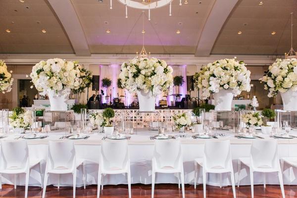 a wedding planner s personalized celebration at a historic rh insideweddings com