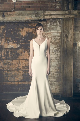 Sareh Nouri Fall 2018 wedding dress Eve trumpet gown fit flare slight deep plunging neckline v neck