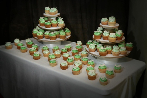 Cupcakes and Sundry blog wedding cupcakes