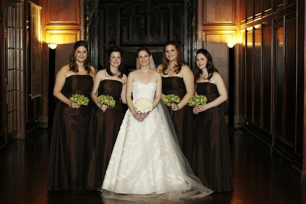 Bride with four bridesmaids in Chicago
