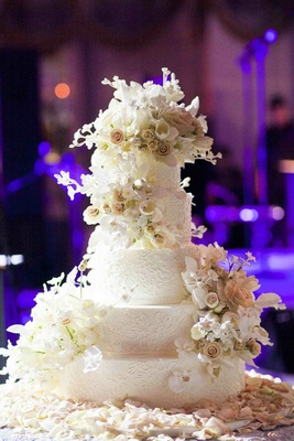 Sylvia Weinstock wedding cake with icing flowers