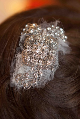 Tulle and silver headpiece with crystals and pearls