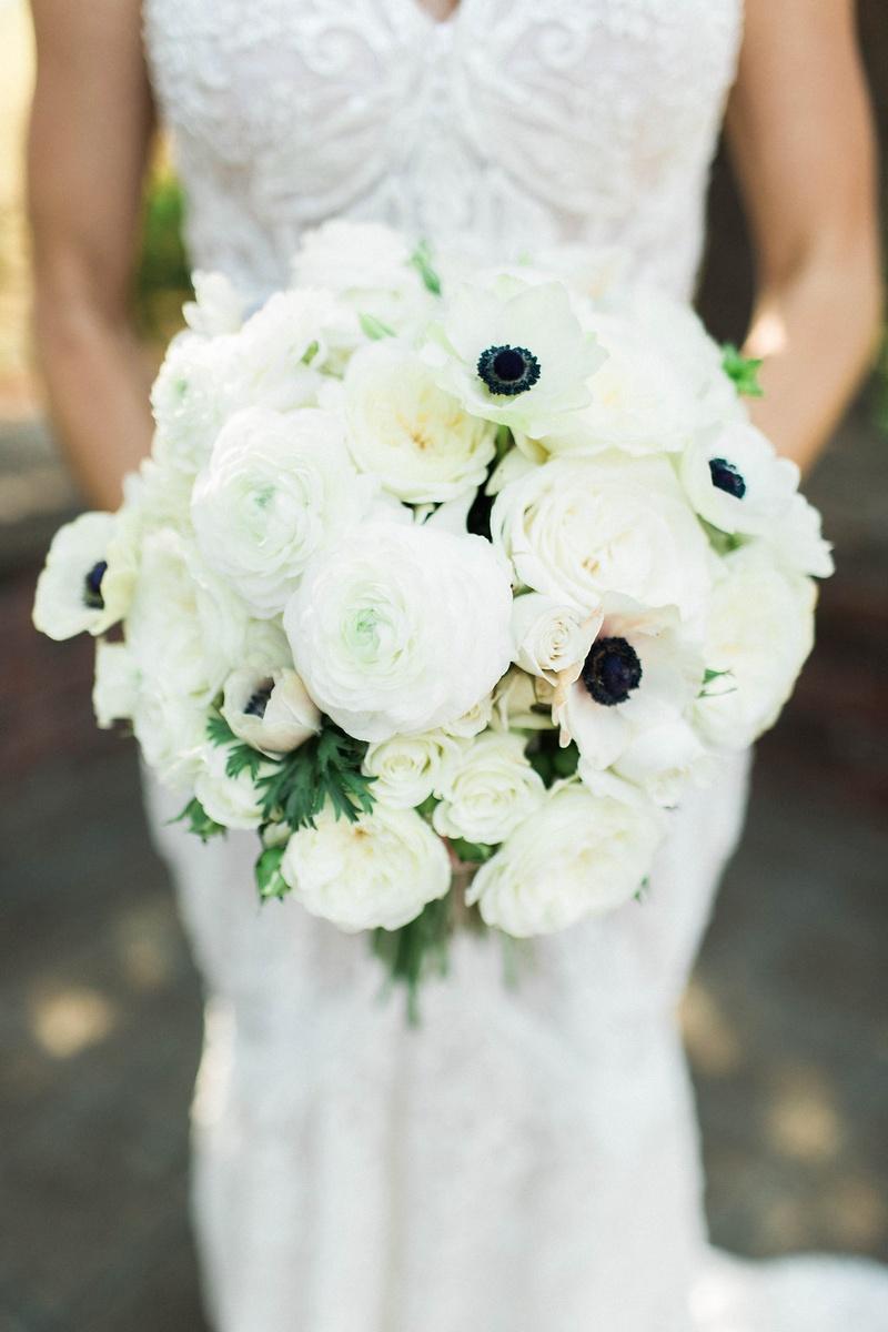 crisp white floral bouquet bride sonoma california garden roses rustic chic wedding