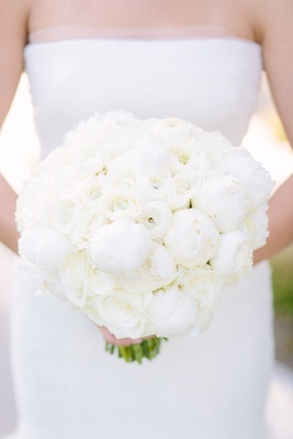 ivory bouquet, all-white bouquet, white peonies, white roses, rose peony