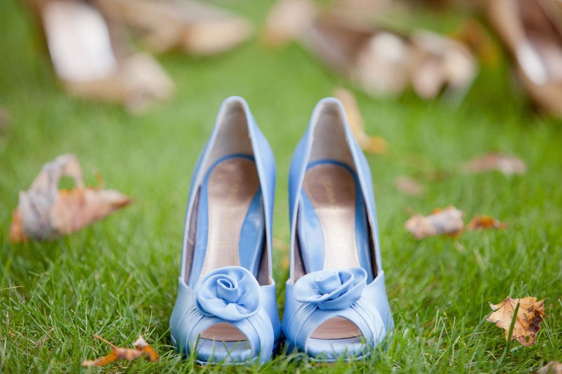 Peep-toe pumps with rosette in light blue for wedding
