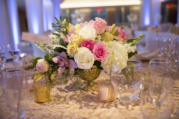 Wedding Reception Table Textured Tablecloth Gilded Urn With Pink White Roses Hydrangeas