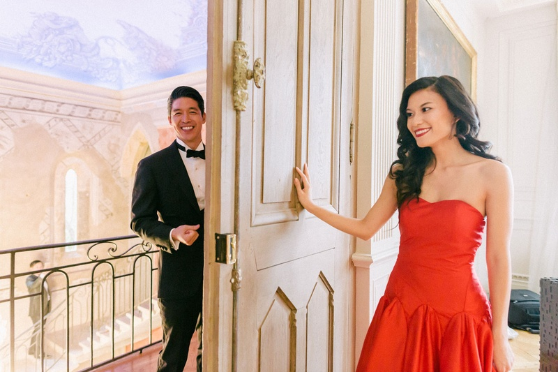 hong kong taiwan wedding, tea ceremony, bride and groom first look on other side of door