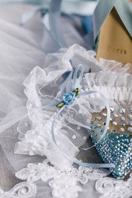 wedding accessories spike and rhinestone high heels with lace garter something blue ribbon