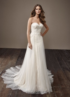 Badgley Mischka Bride 2018 collection wedding dress Bethany strapless sheath bridal gown sweetheart