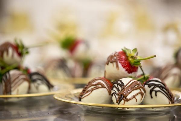 Wedding dessert vow renewal ideas chocolate covered strawberries white chocolate dark and milk