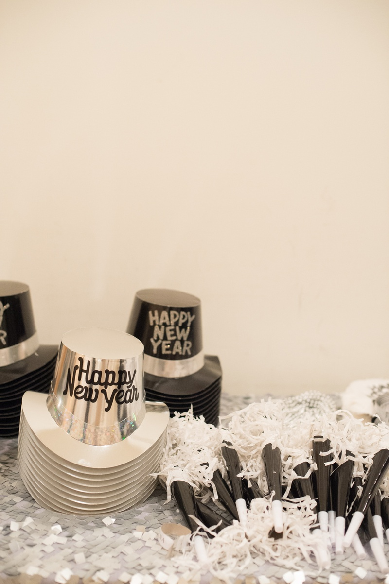Favors & Gifts Photos - New Year\'s Eve Party Accessories - Inside ...