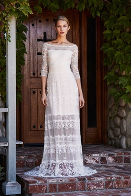 Tadashi Shoji Fall 2018 Ballet collage lace boat neck floor-length gown