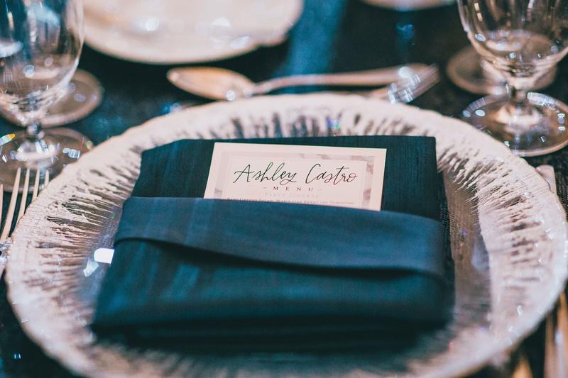 wedding reception winter motif velvet napkkin menu card white silver charger plate