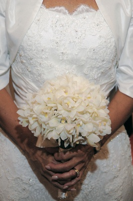 Bridal bouquet made up of one type of flower