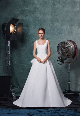 Sareh Nouri fall 2019 bridal collection wedding dress Meryl faille scoop-neck ball gown box pleats