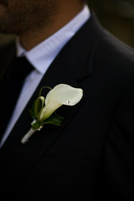 Groom's boutonniere with white calla lily