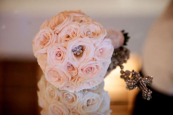 Courtney Mazza's sparkling bridal bouquet