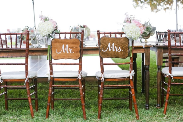 sweetheart table with wooden mr. and mrs. signs maui wedding