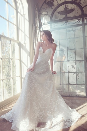 Sareh Nouri Spring 2019 collection tulle sweetheart gown with straps and sweep train