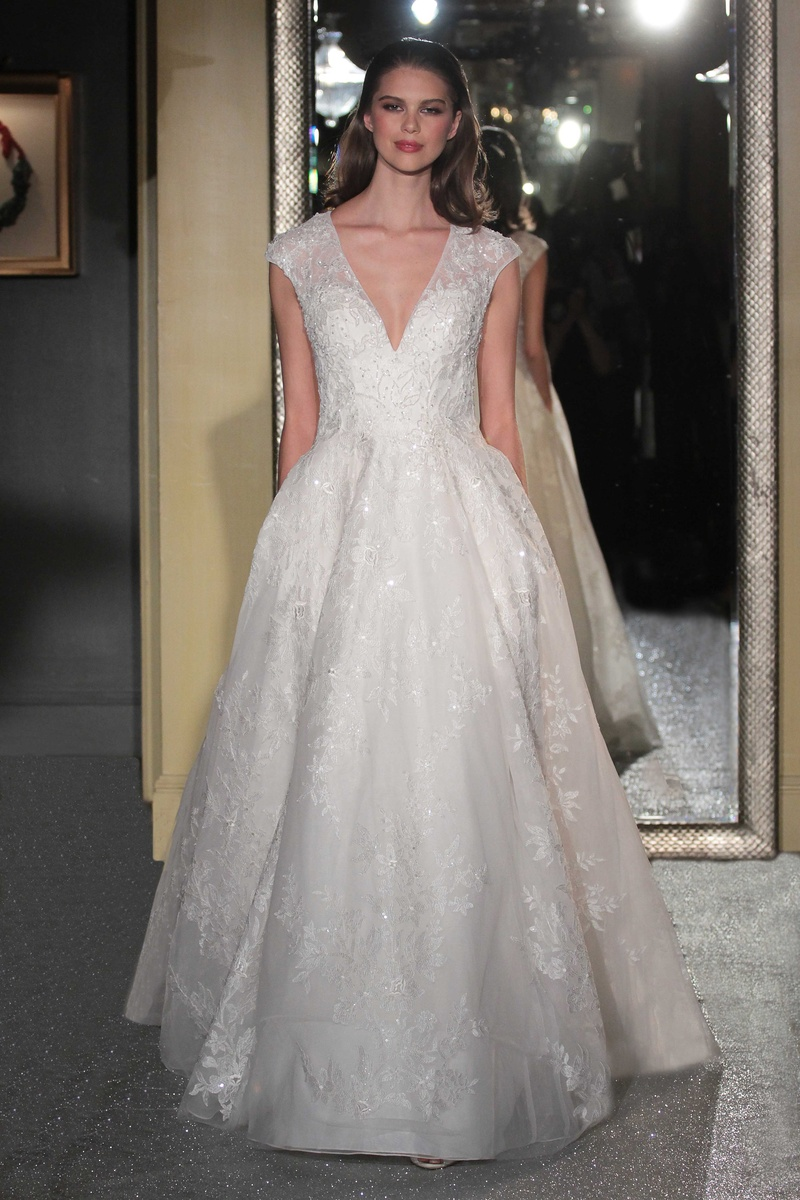 Wedding dresses designed by oleg cassini mini bridal for Wedding dress designer oleg cassini