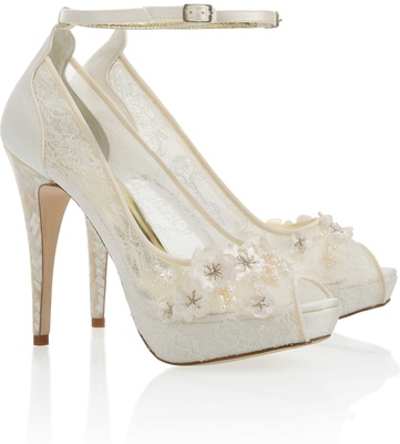 339e777ac443b Wedding Shoes: Sparkling High Heels for Winter Weddings - Inside ...