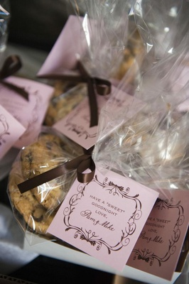 Chocolate chip cookies wedding favors