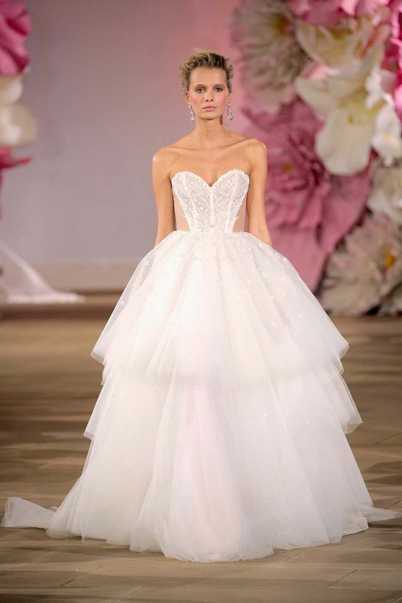 Bridal Dresses Inspired by Lydia Hearst and Chris Hardwick\'s Wedding ...