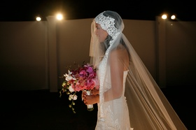 Bridal veil in mantilla style with lace and tulle