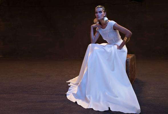 Limor Rosen 2017 Bianca wedding dress cap sleeve short sleeves flared skirt with pockets Treasure