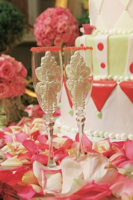 Champagne glasses with pearls and sugar rims