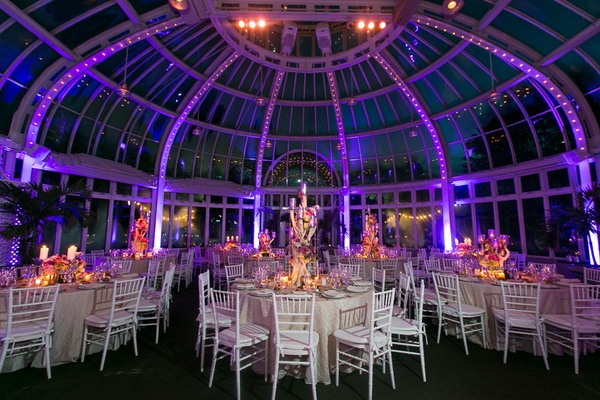 Garden chic summer wedding in brooklyn inside weddings palm house at the brooklyn botanic gardens wedding junglespirit