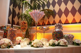 Korn bassist reception sweets display