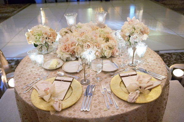 Reggie Arvizu and Dena Beber's tablescape