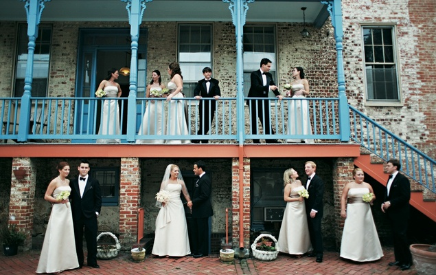 bridesmaids and groomsmen photo at historic annapolis building