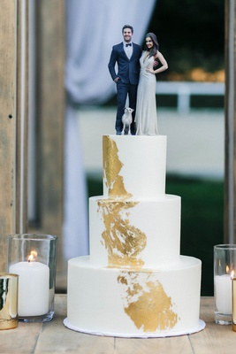 Jillian Murray and Dean Geyer life like cake topper white three layer cake gold brushstroke detail