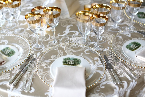 white and gold reception décor, southern elegance