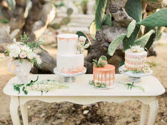 desert inspired styled shoot, three small wedding cakes, drip cakes wedding trend