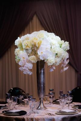 Celebratory Wedding Shoot With Elegant Amp Romantic D 233 Cor In