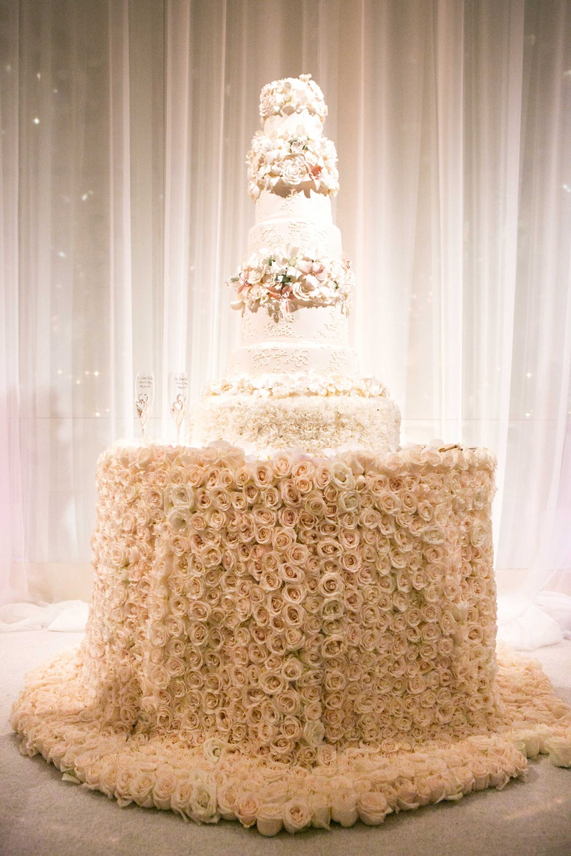 rose gold wedding cake table cakes amp desserts photos fresh table for wedding 19296