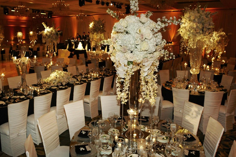 Sophisticated black and white wedding reception decorations