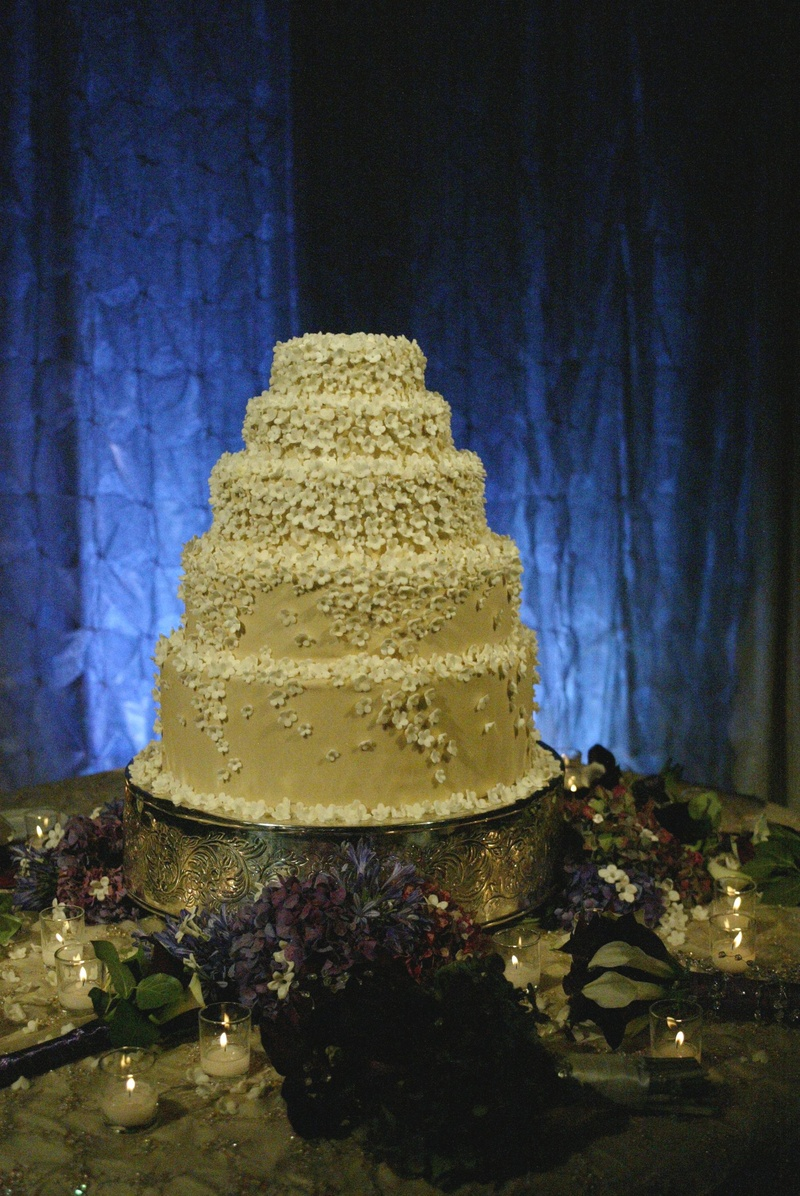 Five layer buttercream cake with stephanotis