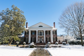 southern plantation home wedding, backyard southern wedding in winter