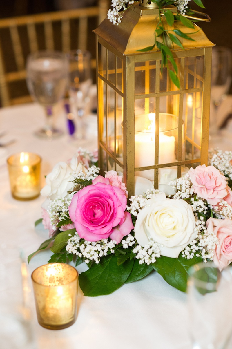 Reception décor photos lantern in ring of flowers