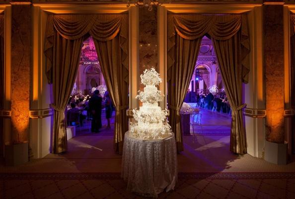 Sylvia Weinstock wedding cake to match bride's dress